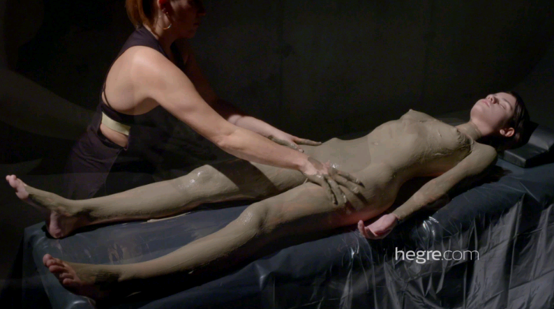 Hegre – Ariel Erotic Mud Massage