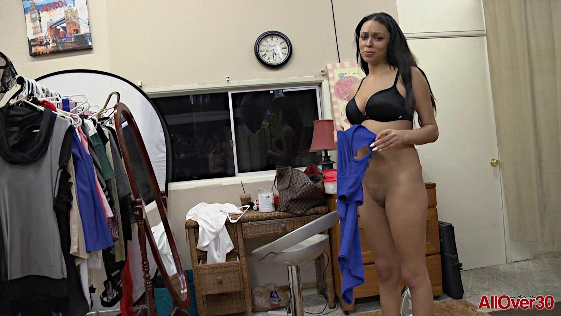 AllOver30 – Bethany Benz