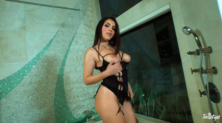 TwistysHard – Valentina Nappi – Forza Valentina