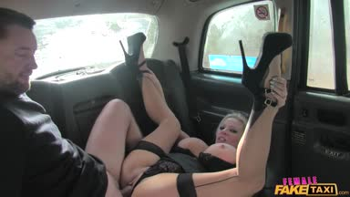 FemaleFakeTaxi 17 03 02 Michelle Thorne