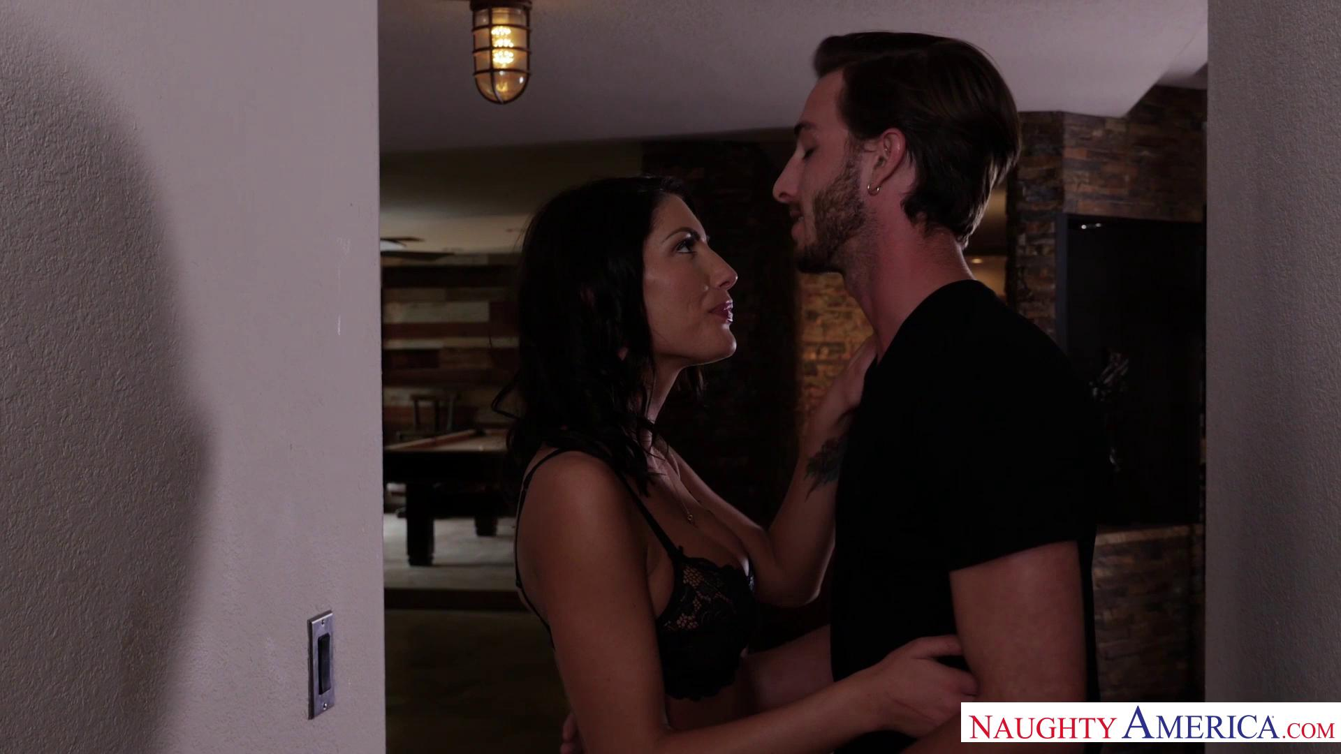 NeighborAffair – August Ames