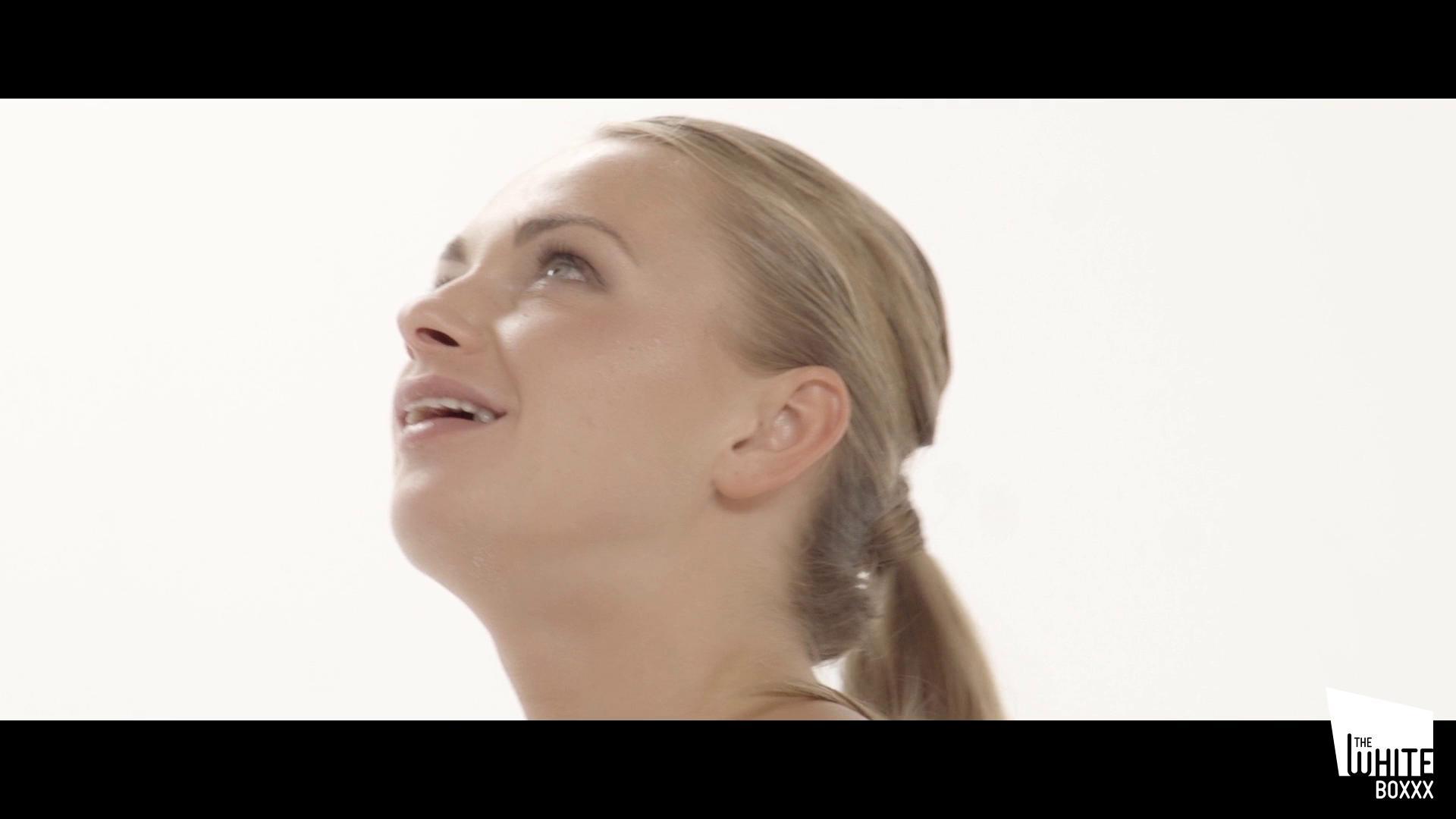 TheWhiteBoxxx – Ivana Sugar