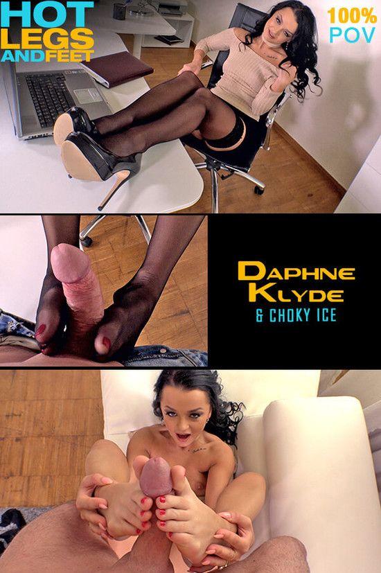 HotLegsAndFeet – Daphne Klyde