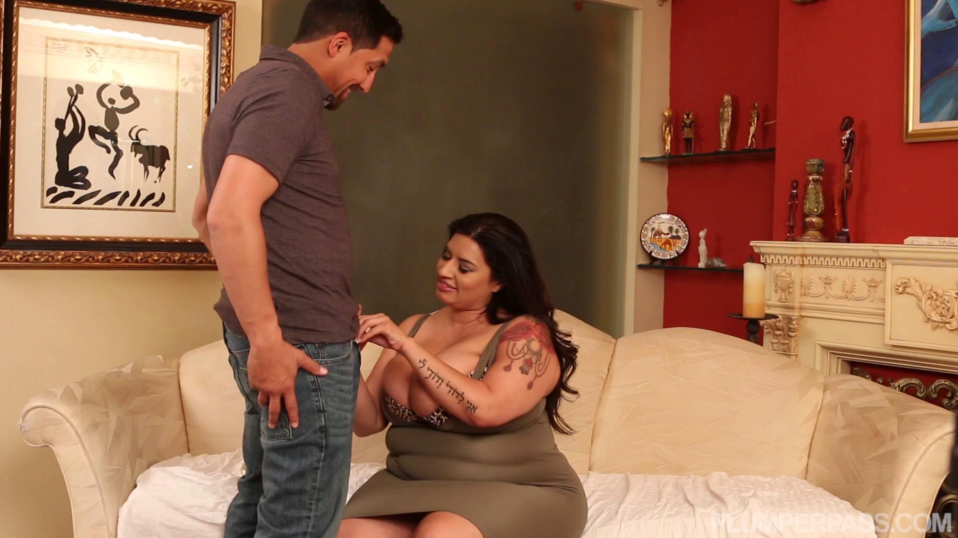 PlumperPass – Sofia Rose Late Night Hook Ups