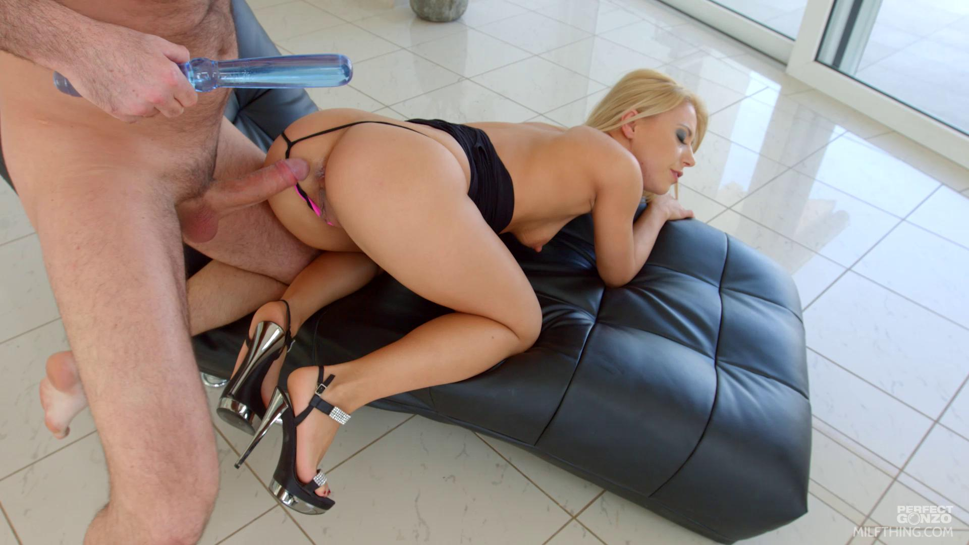 MilfThing – Nikky Thorn