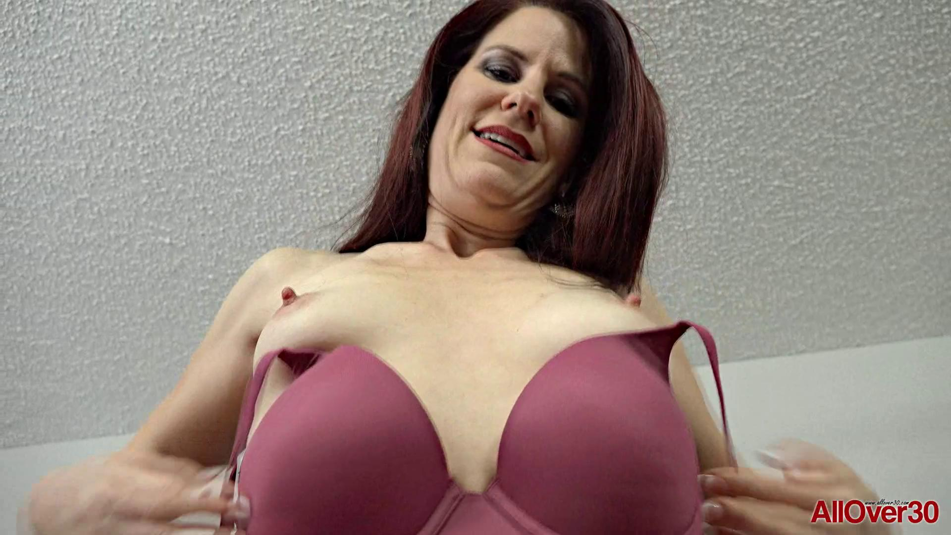 AllOver30 – Jazmin Coxx