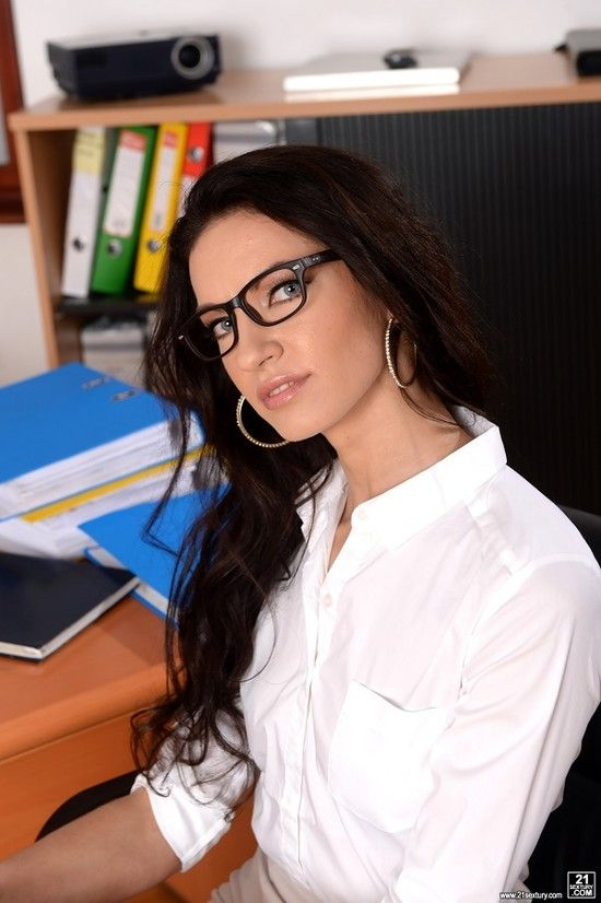 21Sextury – Business Affairs – Linda Moretti