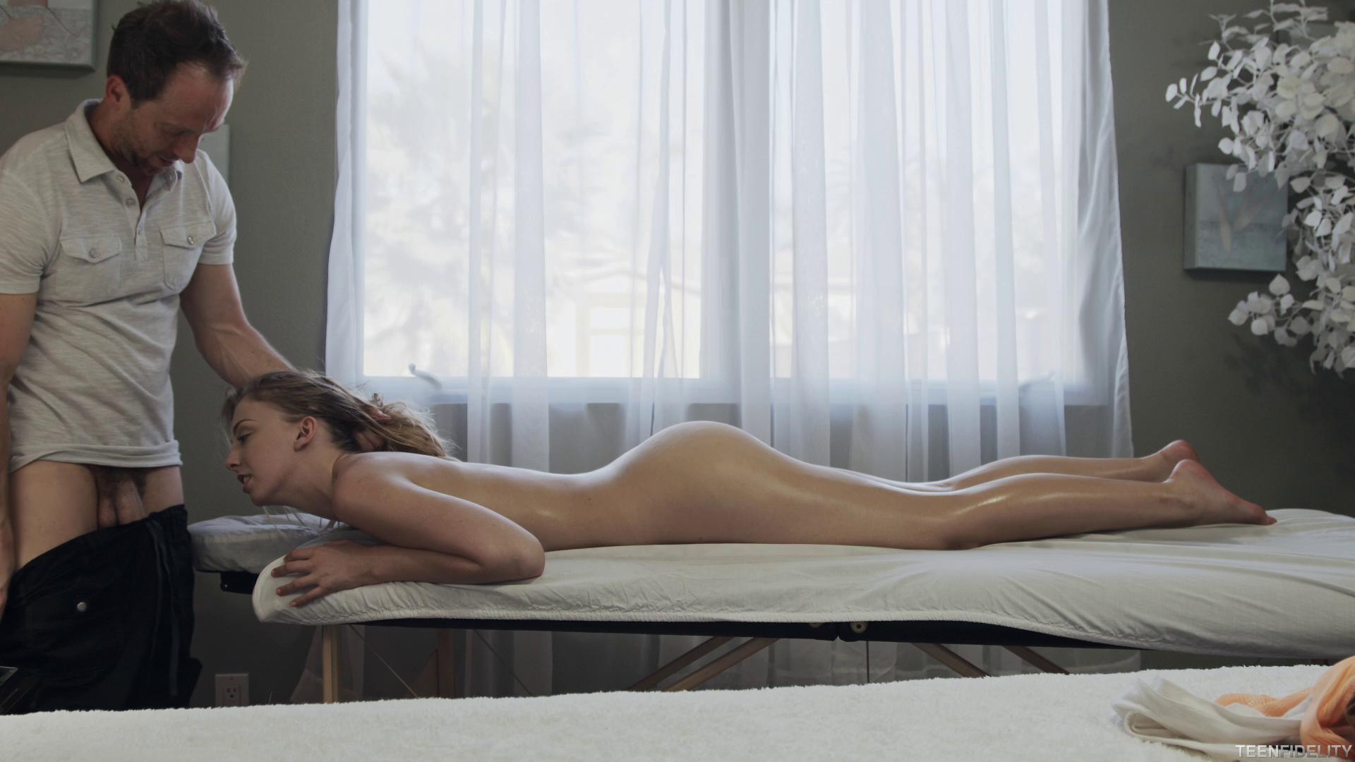 TeenFidelity – Chloe Scott Massage Me Hard Episode 272
