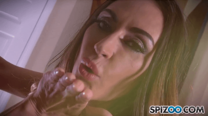 Spizoo – Claudia Valentine Amazing Tease
