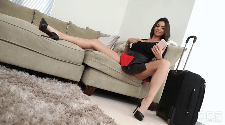 DDFBusty – Krystal Webb